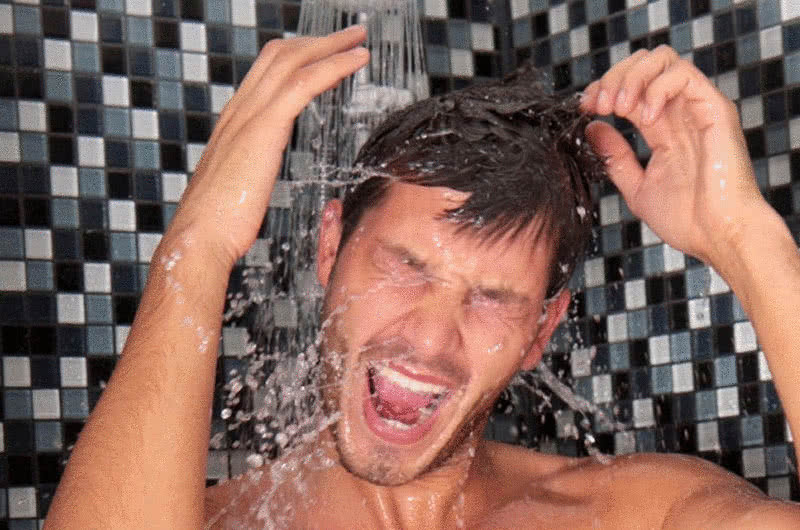 Лечение похмелья контрастным душем