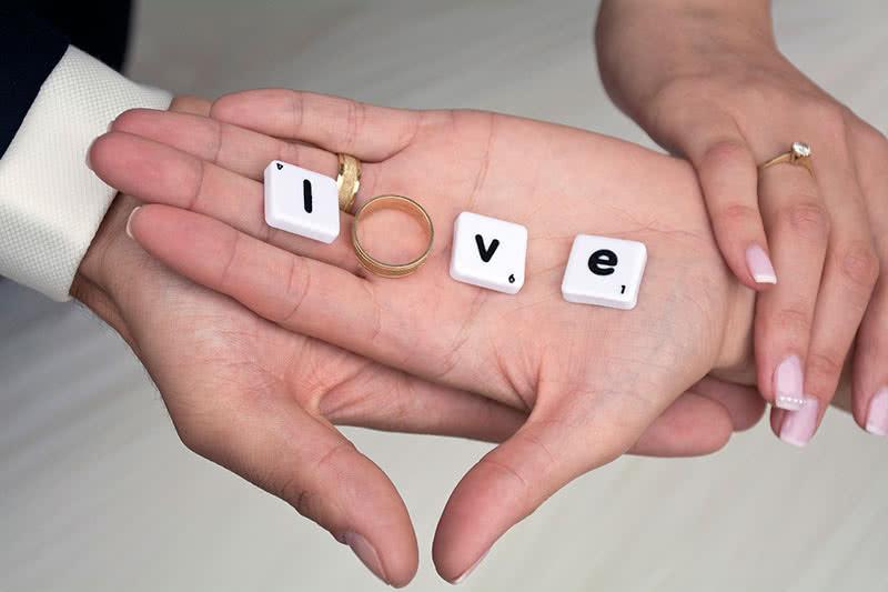 Брак укрепляет отношения
