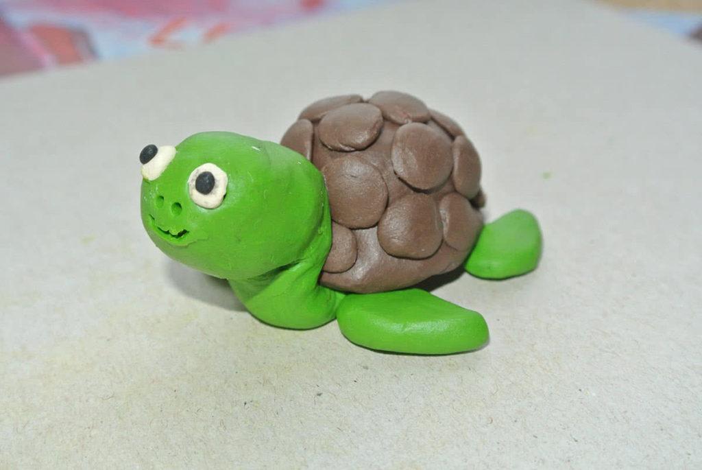 Черепаха из пластилина