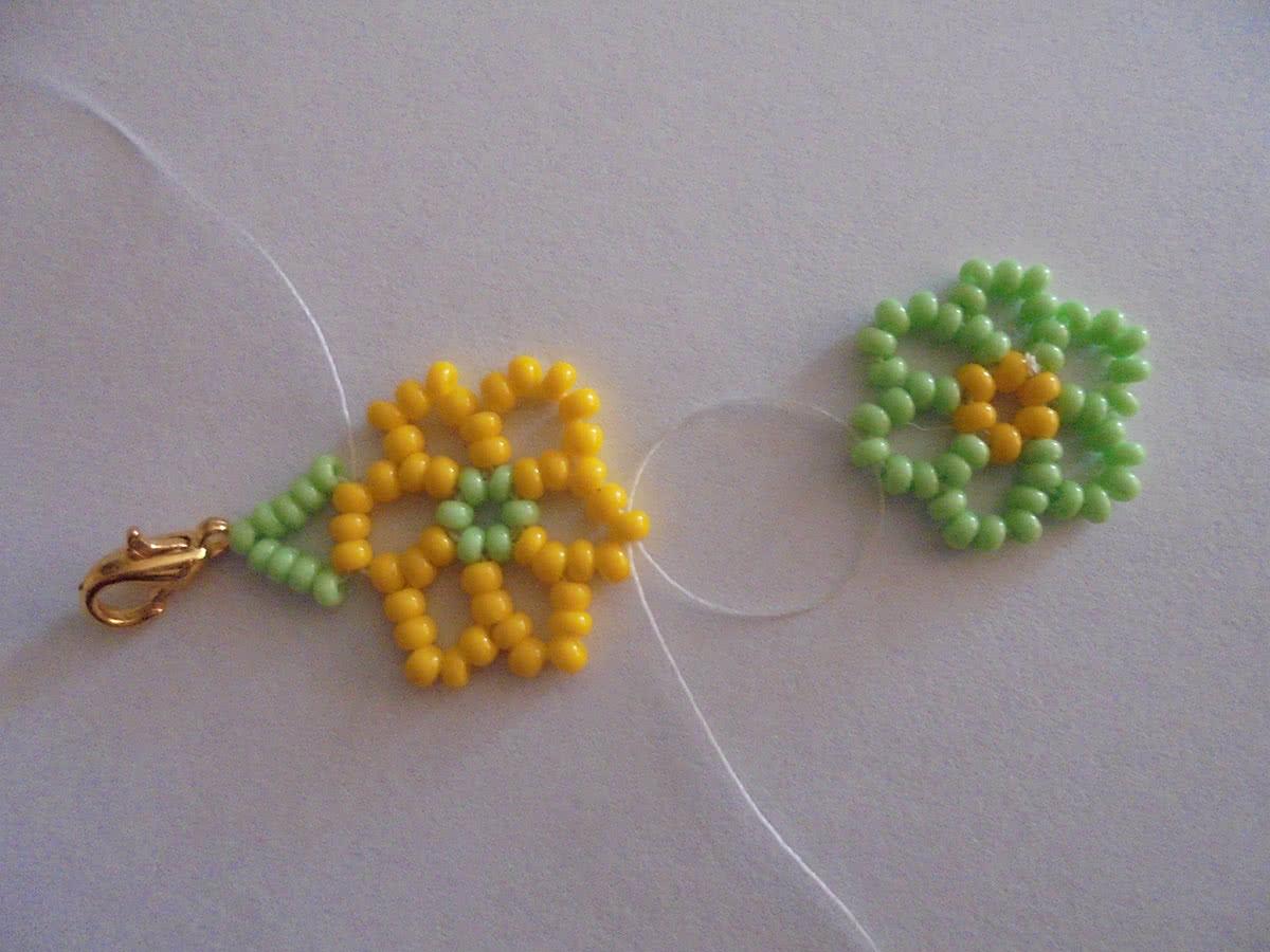 Как сделать весенний браслет из цветов Плетение