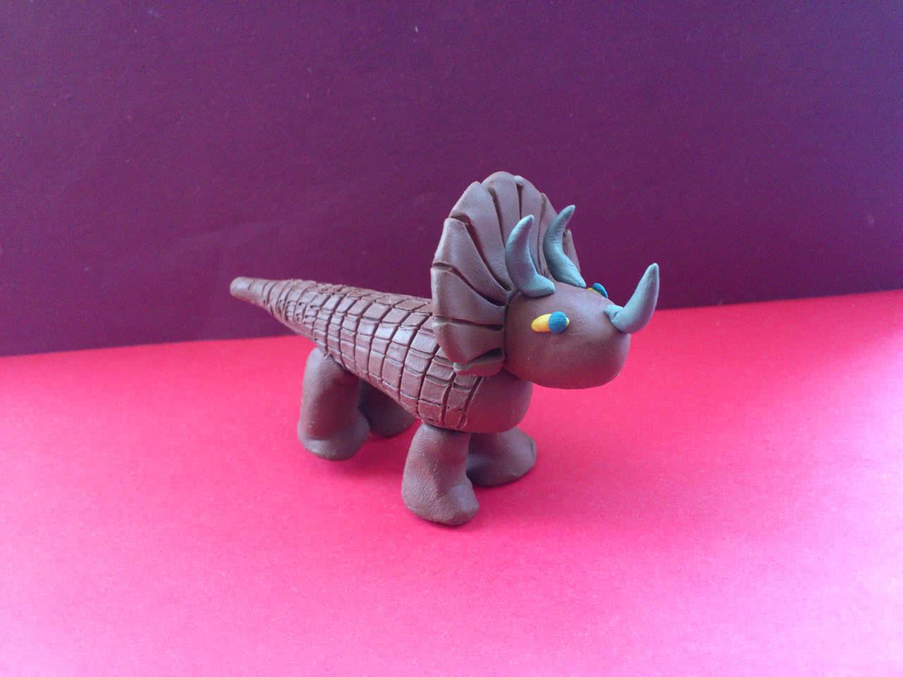 Динозавр из пластилина пошагово