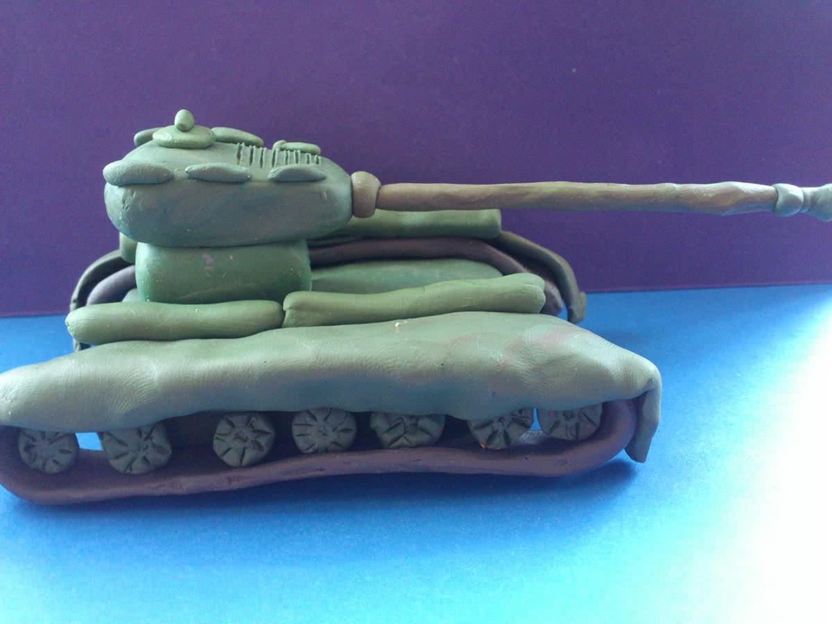 Как сделать стреляющий танк из пластилина