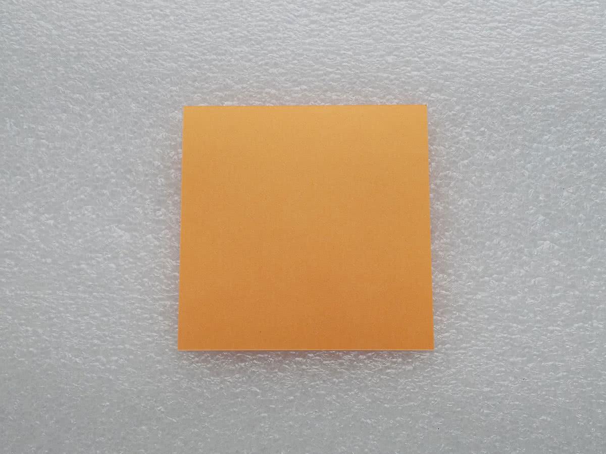 Лист бумаги для оригами бабочка
