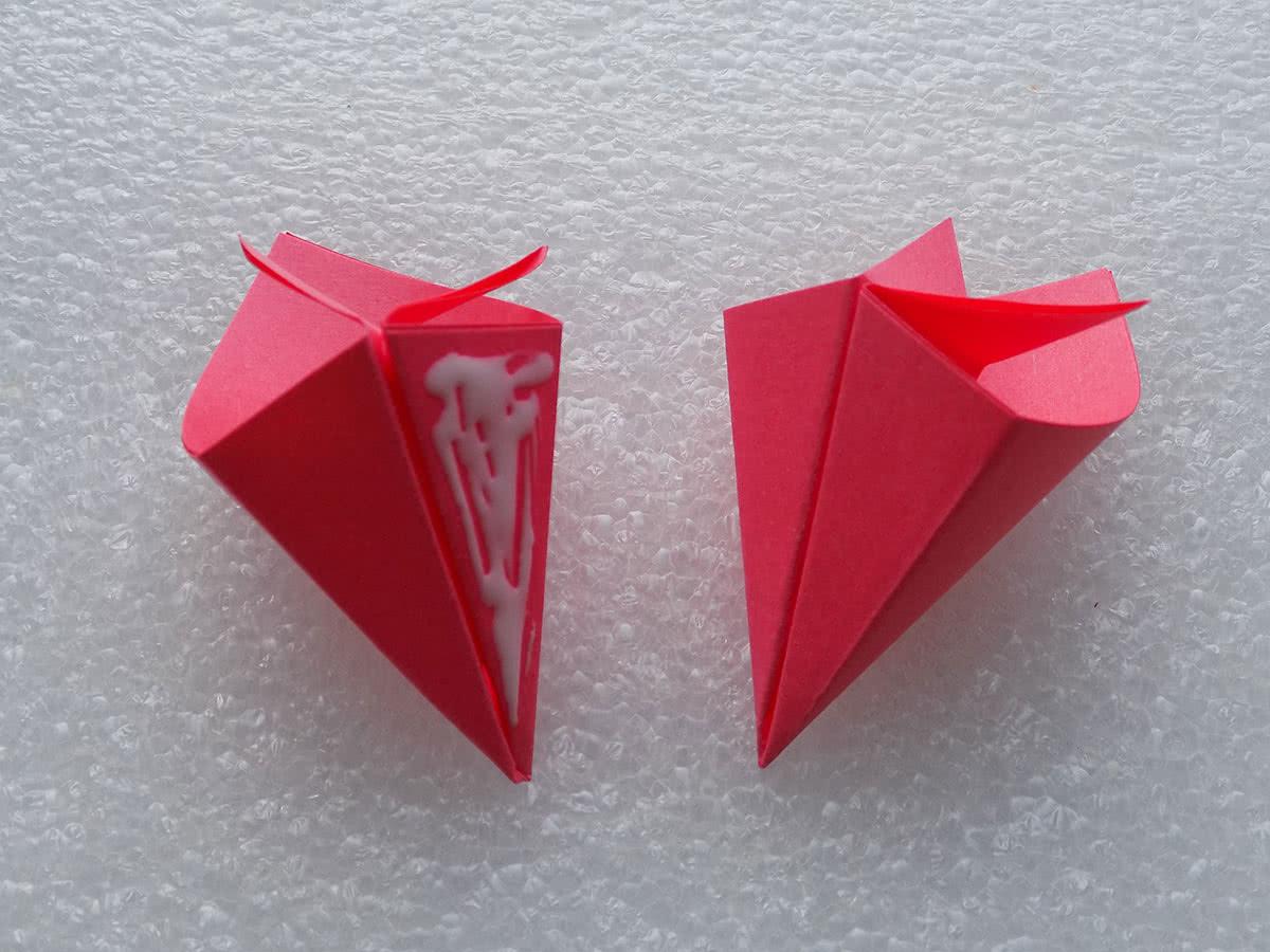Цветы из бумаги своими руками оригами пошаговое для начинающих
