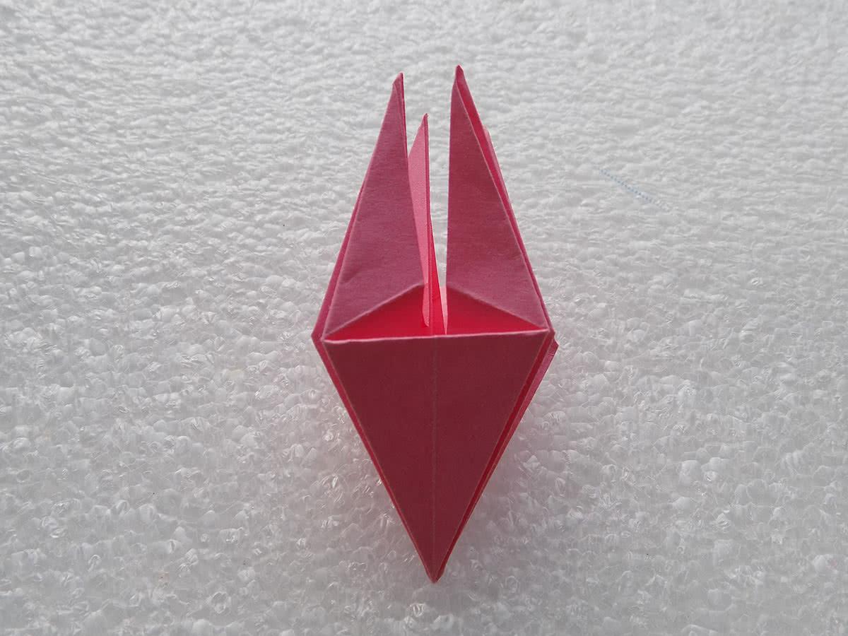 Оригами лилия шаг 16