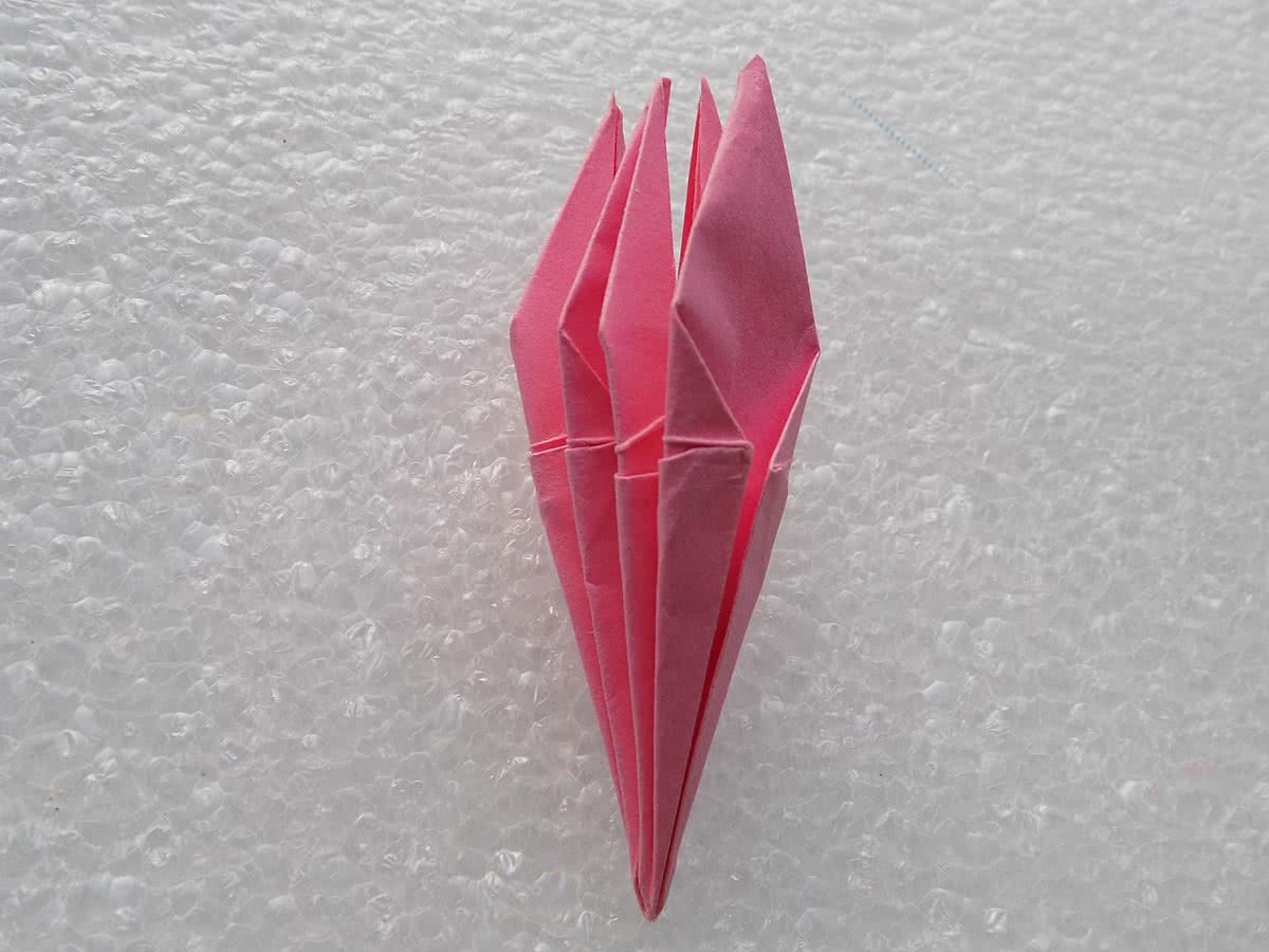 Оригами лилия шаг 20