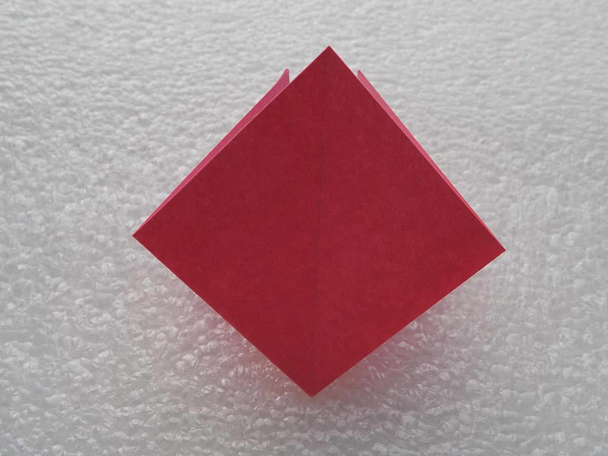 Оригами лилия шаг 3