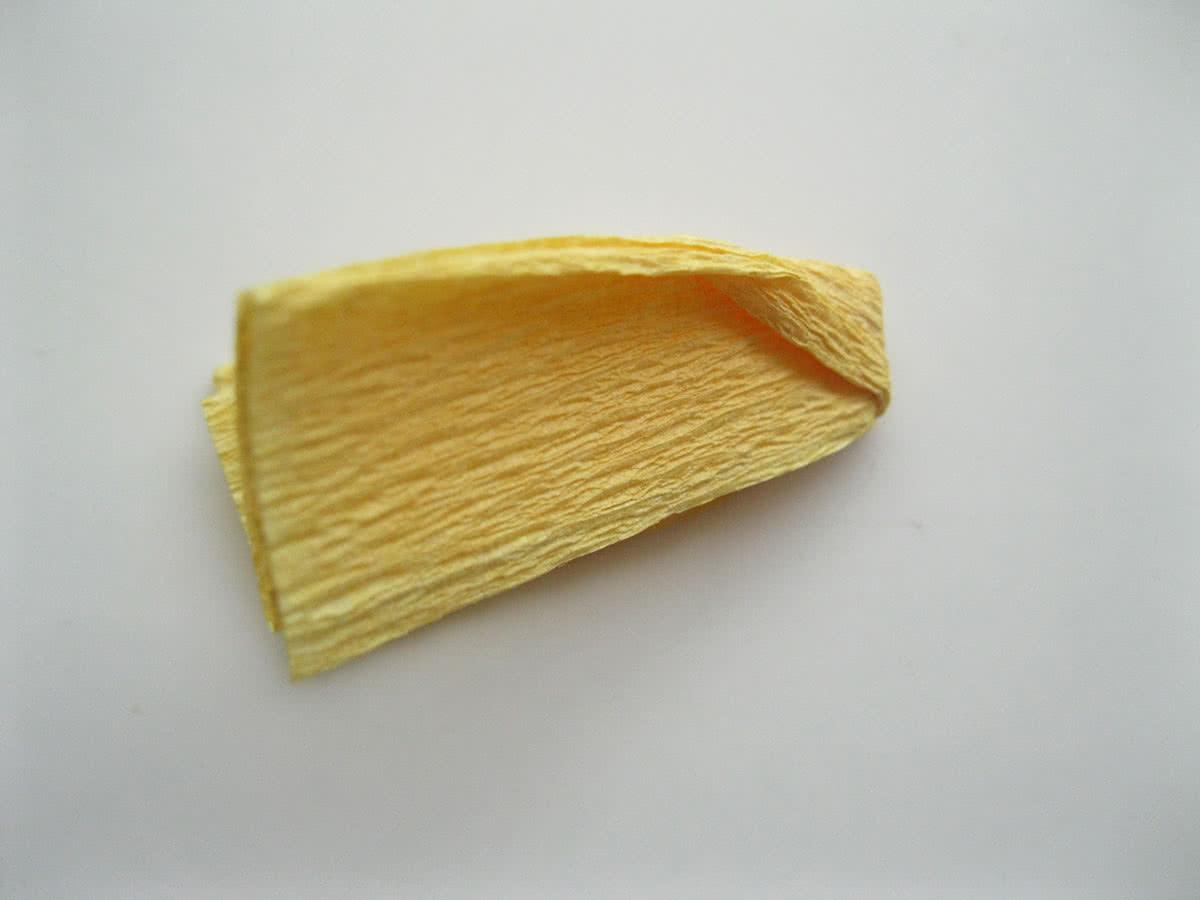 Крокусы из гофрированной бумаги шаг 4