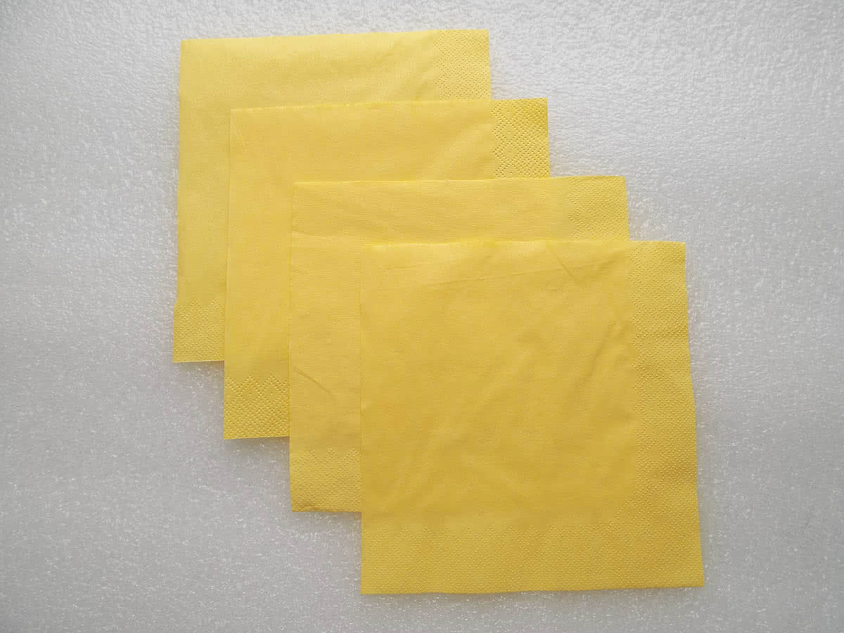Роза из бумажных салфеток шаг 2