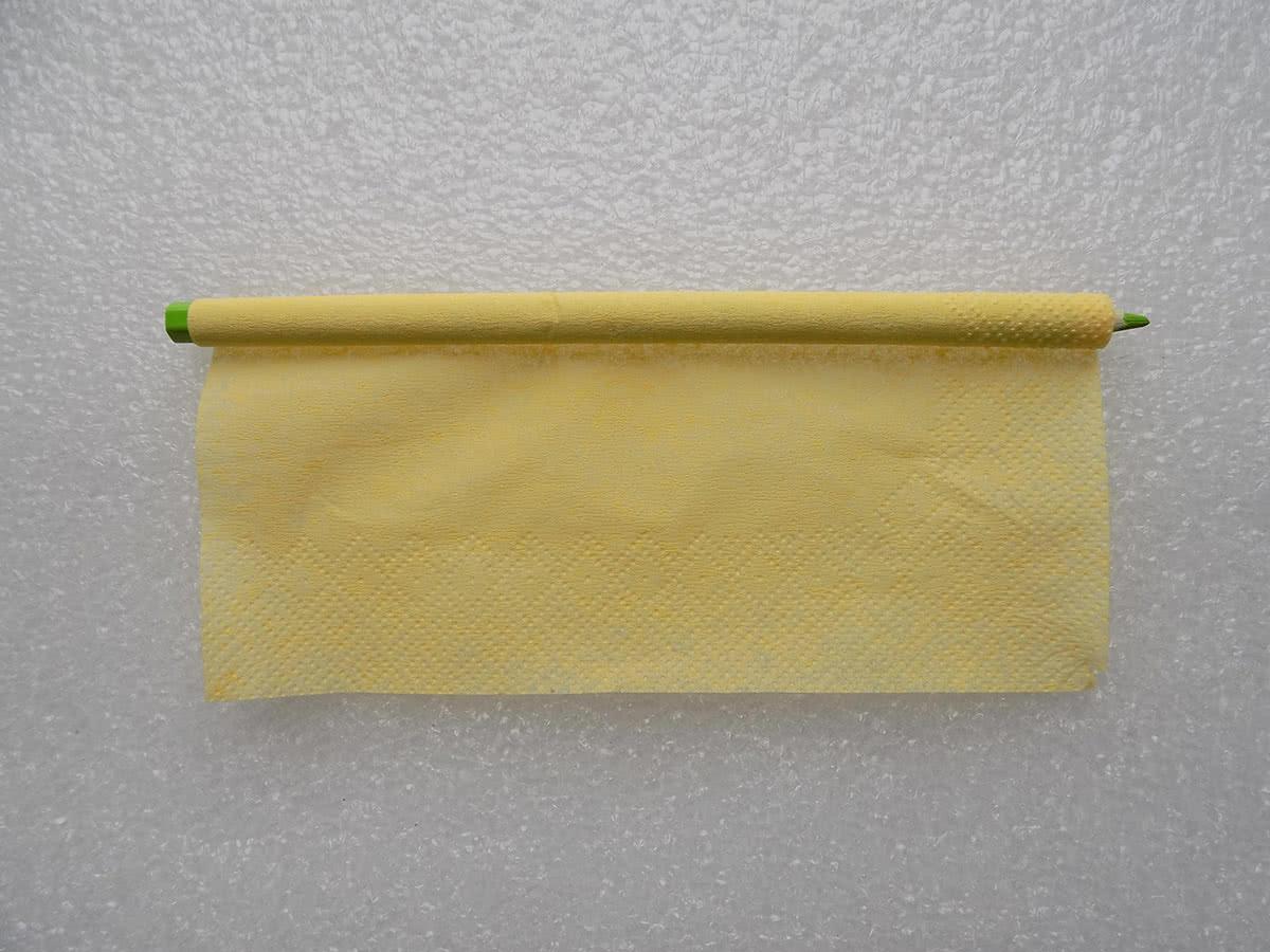 Роза из бумажных салфеток шаг 4