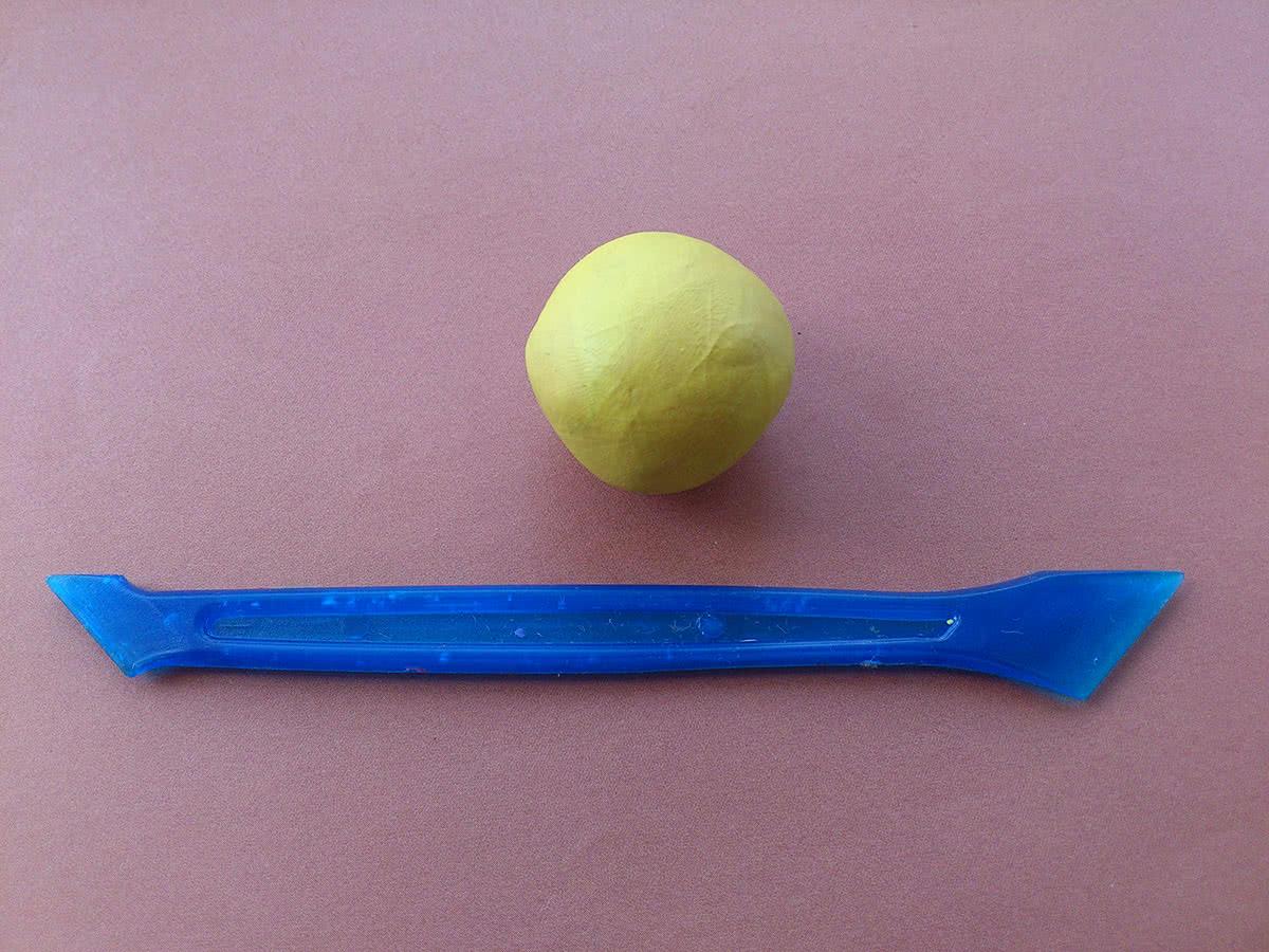 Утёнок из пластилина шаг 1