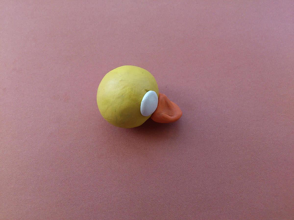 Утёнок из пластилина шаг 4