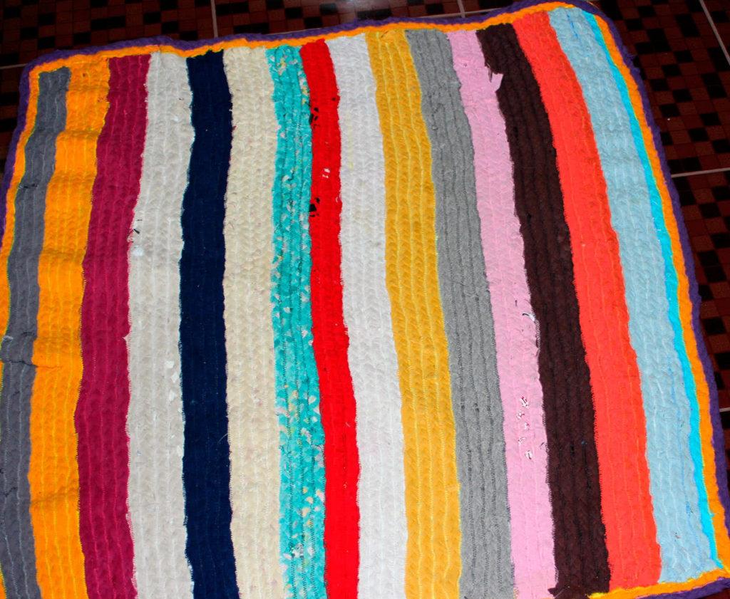 12 ковриков из старых вещей своими руками - Фото Креатив