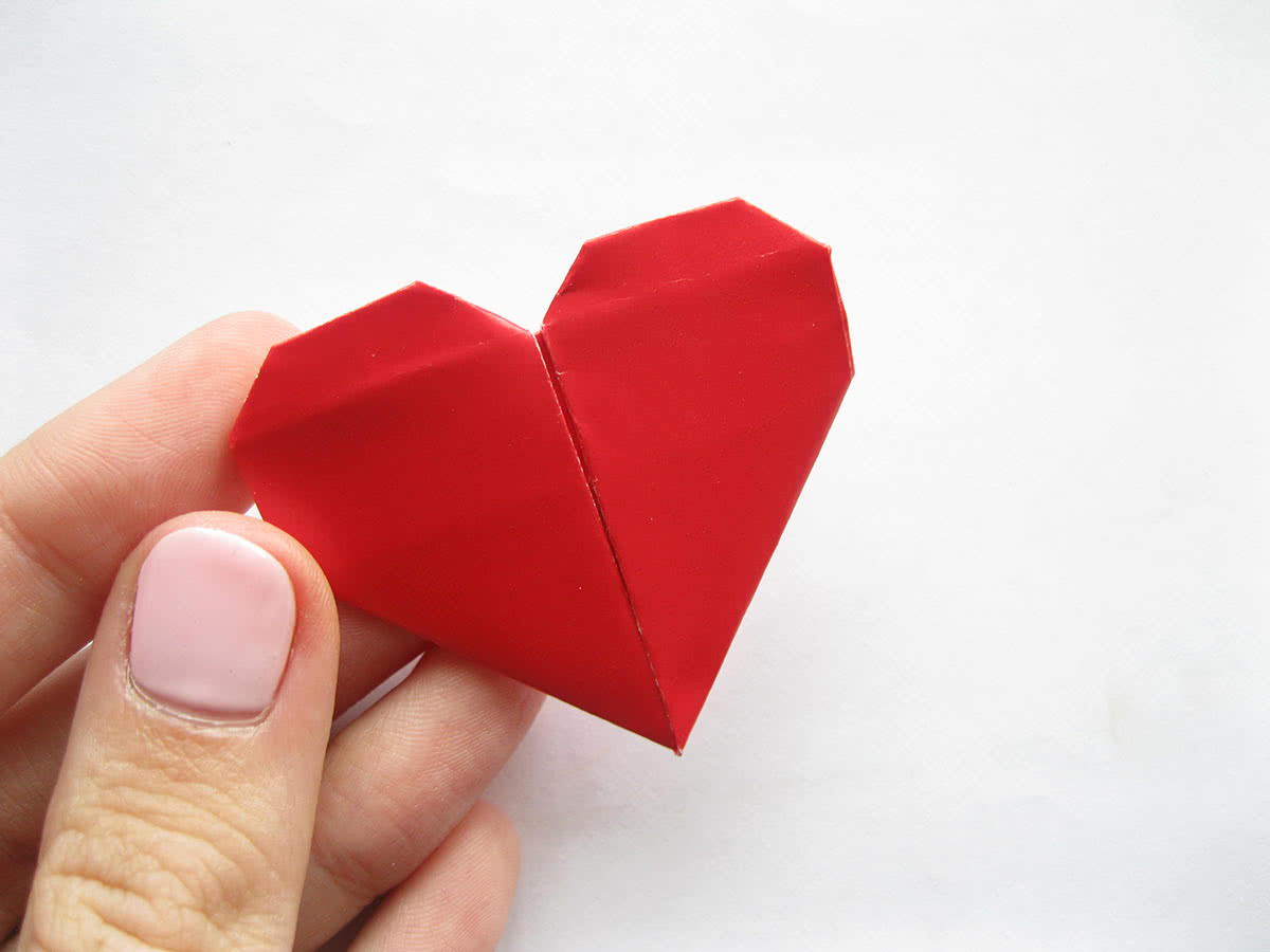 Сделать из бумаги сердце