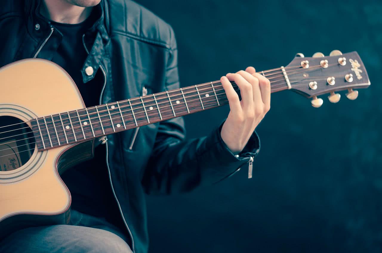 Как выбрать гитару новичку