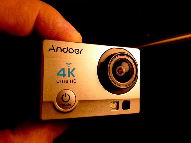 Экшен-камера в подарок на 23 февраля