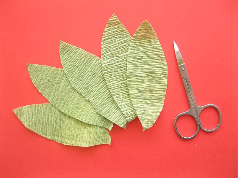 Листья для цветка из ватных дисков