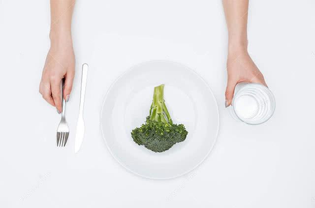Можно ли пить воду при еде