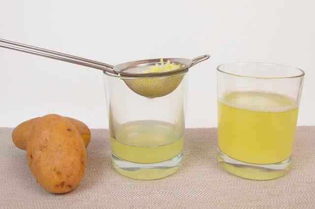 Картофельный сок против синяков под глазами