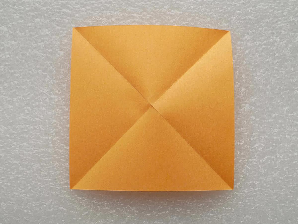 Оригами бабочка шаг 1