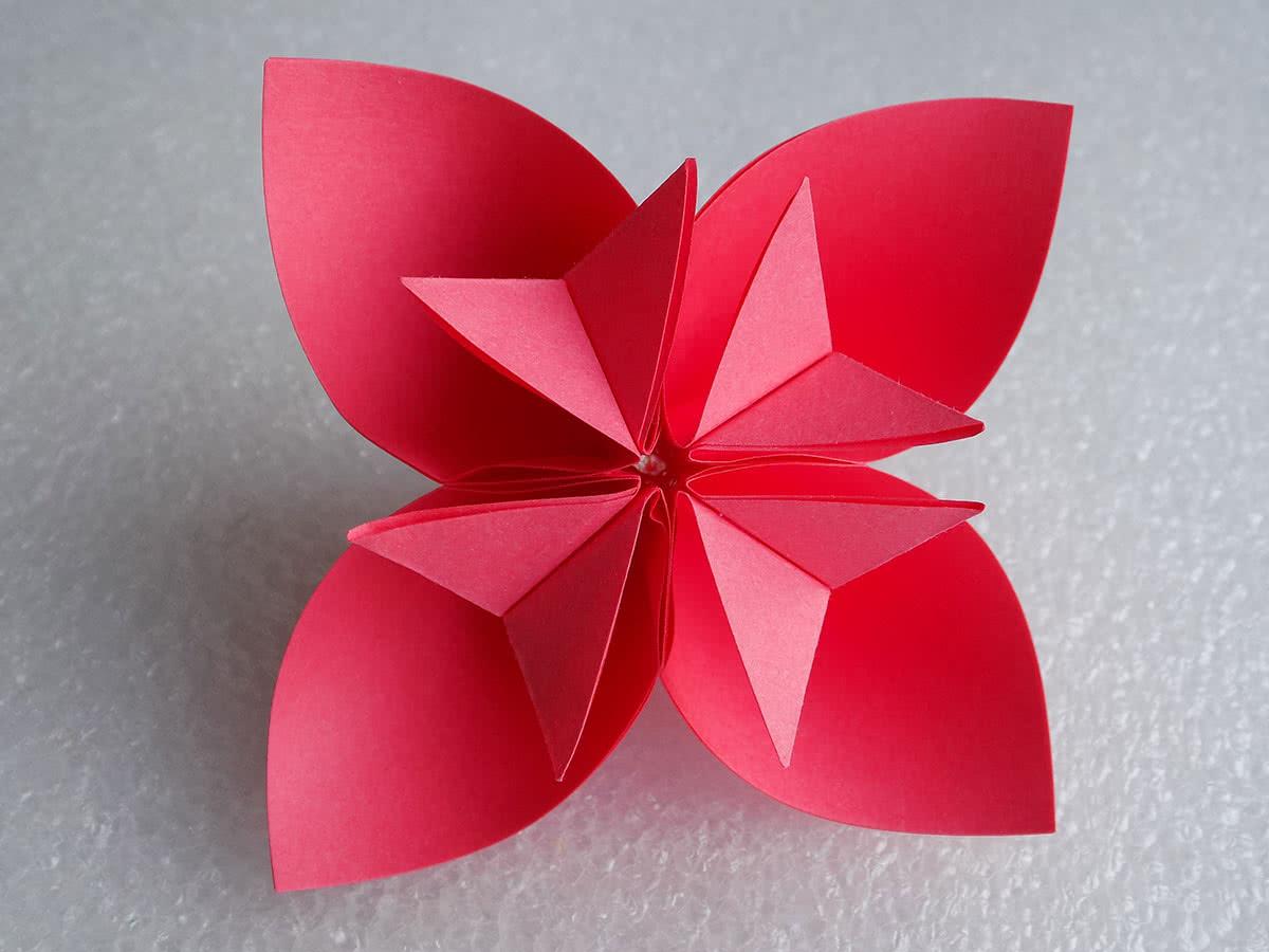 цветок оригами в технике кусудама