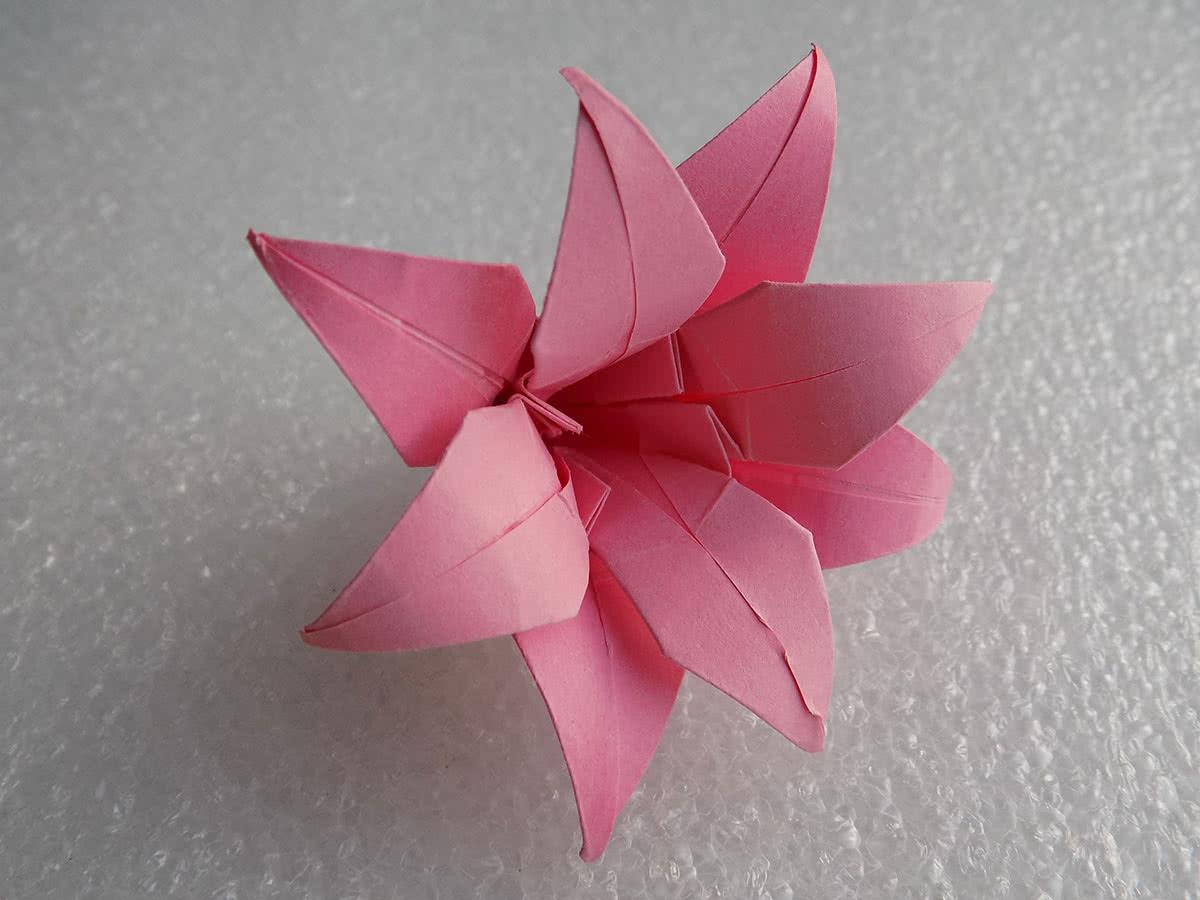 Оригами лилия шаг 24