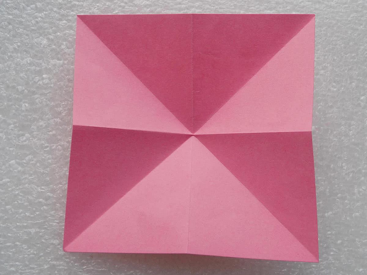 Оригами лилия шаг 2