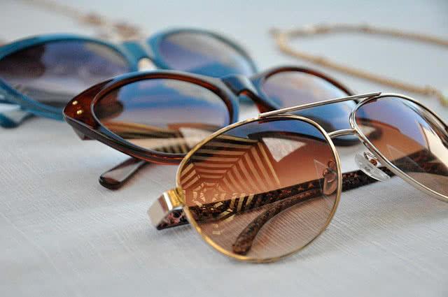 Солнцезащитные очки в подарок на 23 февраля