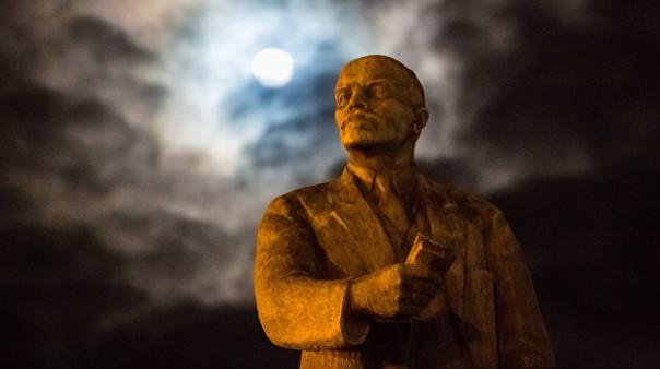 Украинские декоммунизаторы проигрывают войну Ленину