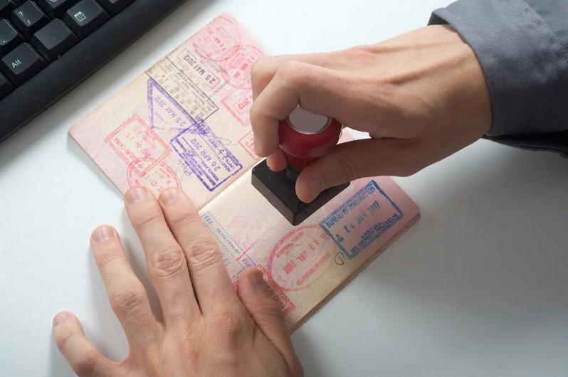 Как оформить визу во Францию в Москве