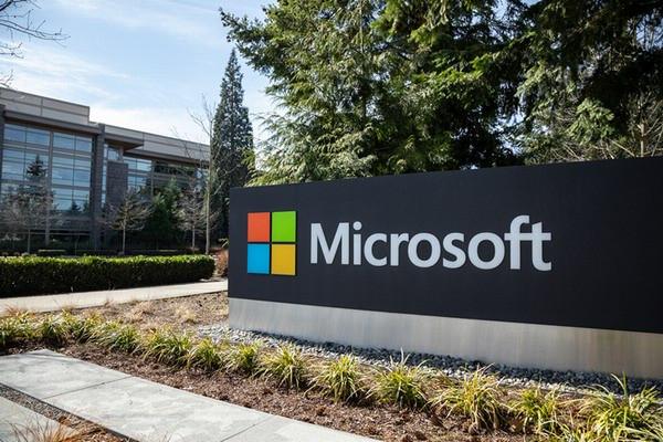 Microsoft поднимает цены в России